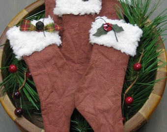 Primitive Christmas Stocking Bowl Fillers - Set of  5 - Flat Maroon Holiday Stockings - Grungy Fabric - Primitive Decor Christmas Trim
