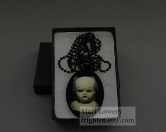 Halloween Pendant, Creepy Doll Head. Vintage Doll, Dark Jewelry, Weird Necklace, Creepy Art