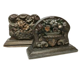 1930s Bookends or doorstops in SYROCCO Wood Composite Floral Basket Carved design, Made in USA. Molded wood