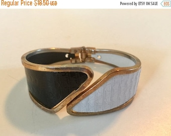 MASSIVE CLEARANCE Vintage Mid Century Black and White Bypass Clamper Hinged Bracelet