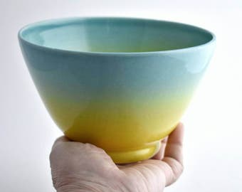 Ceramic medium size bowl - Light Blue & Yellow - Serving bowl - Hand-thrown pottery bowl - Ceramic serving dish - Ceramic bowl - Small bowl
