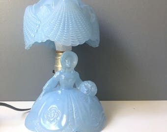 L.E. Smith blue southern belle with seashell glass shade - bedside lamp - 1950s vintage