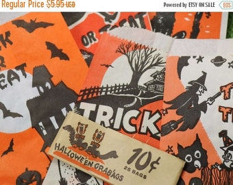 FLASH SALE 5 Vintage Halloween Paper Treat Bags