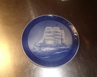 vintage royal copenhagen christmas plate 1961 the training ship sailboat