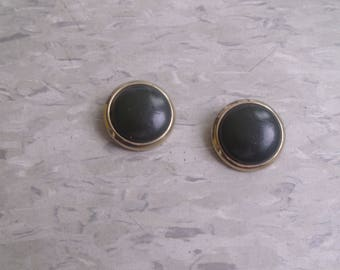 vintage clip earrings goldtone black gray lucite circles