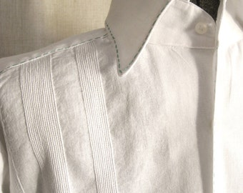 Mens White Shirts, Mans Vintage Shirt, Linen, Guayabera, Wil Shepherd, Long Sleeve, Large,Hand Embroidered,Formal Shirt,Tropical,Cruise wear