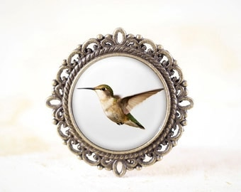 Female Hummingbird Broach - Nature Brooch, Flying Bird Pin, Hummingbird Jewelry, Garden Jewelry, Bird Lover Gift