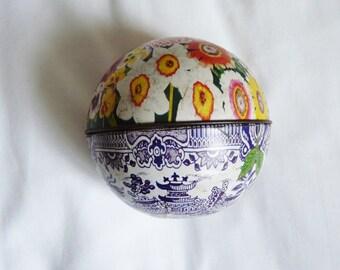 Round vintage Dodo Designs floral tin 1979