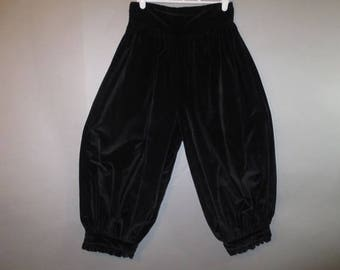 "Vintage Black Velveteen Bloomers, Pantaloons, St Simon  // Nylon Back Zipper, Gathered Legs with Button Closure, Cropped Pants...27"" waist"