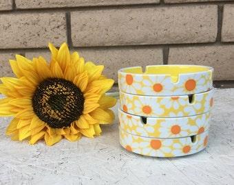 Vintage 60s Mod Yellow Daisy Ashtray/Coaster Set of 4