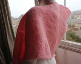 Pale pink woven mohair shawl / scarf wrap vintage immaculate