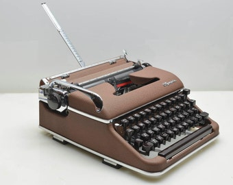 SALE! Vintage 1962 Olympia SM3 De Luxe Brown Typewriter. Working Beauty in Case, made in Germany