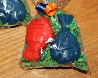 5 Bags of Crayons. Recycled Crayons. Fish Crayons. Kids Crayons. Fish. Fish Crayons. Party Favors. Ocean Crayons. Crayons. Rainbow Crayons.