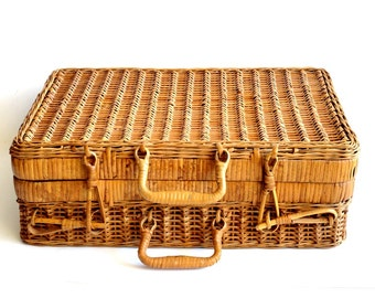 Vintage Woven Wicker Rattan Picnic Basket Suitcase Wine Sewing Artist Basket Toy Organizer
