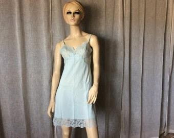 Vintage Warners Light Blue Nylon Lace Bodice Full Slip Size 36 S, Vintage Lingerie, Vintage Full Slip, Vintage Nylon Slip, Vintage Blue Slip