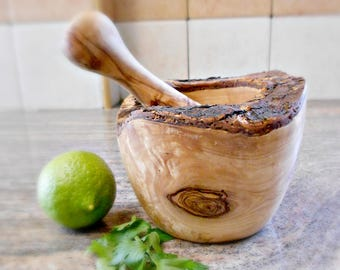 Christmas Gift, Wooden Rustic Mortar and Pestle 4.7 inches with Natural Edges, Rustic Wedding Gift Kitchen Decor