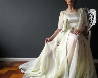Vintage 70s Bohemian Lemon Ivory Butterfly Sleeve Layered Dress House Of Merivale 10