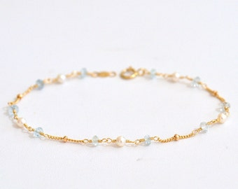 Aquamarine & Freshwater Pearl Bracelet in Gold or Silver, March Birthstone Jewelry, Holiday Gift for Her, Weddings, June Birthstone