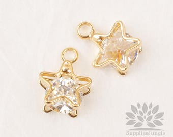 P876-G// Gold Plated Cubic Zirconia in Star Shell Frame Pendant, 2pcs