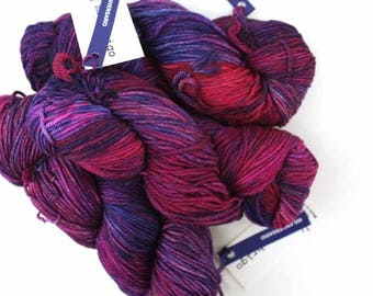 Malabrigo Rios yarn, color Aniversario, red, purple, #005, superwash knitting yarn worsted weight