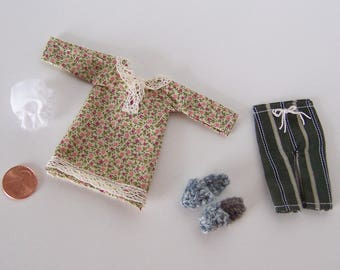 Miniature Dollhouse Clothes 1:12 Scale Lot of 4 Items, Doll House Miniature Accessories Bedroom or Bathroom Display Filler Hand Made