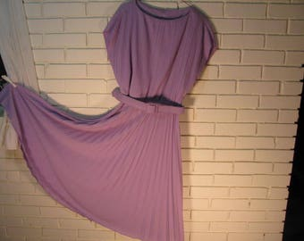 70's Lavender Poly dress with pleated skirt size M