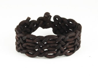Special braided leather bracelet with toggle closure (SZA22)