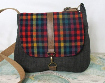Westwood // Crossbody messenger bag // Crossover purse // Shoulder bag // Travel bag // Preppy // Vintage wool // Plaid // Ready to ship