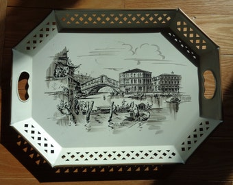 Vintage Hand Painted Metal Tray A Venetian Souvenir of the Rialto Bridge,  India Ink like illustration of a Venetian Landmark in Great Shape