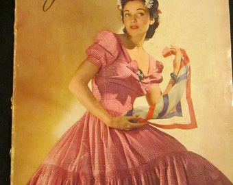 May 1940 VOGUE Fashion MAGAZINE