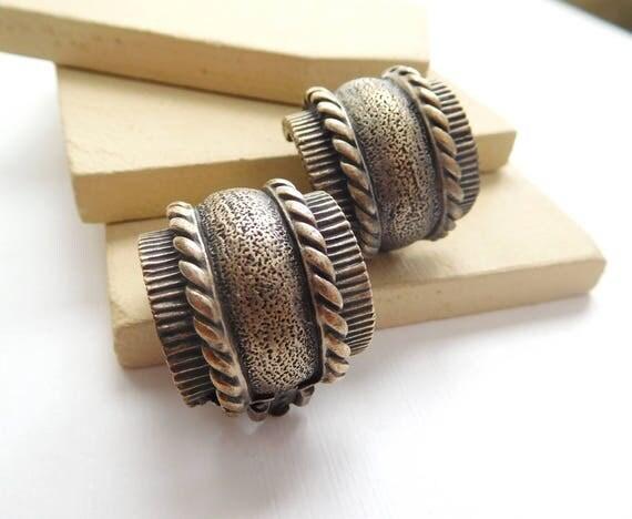 Vintage Chunky Distressed Dark Silver Wide Industrial Clip On Hoop Earrings L29