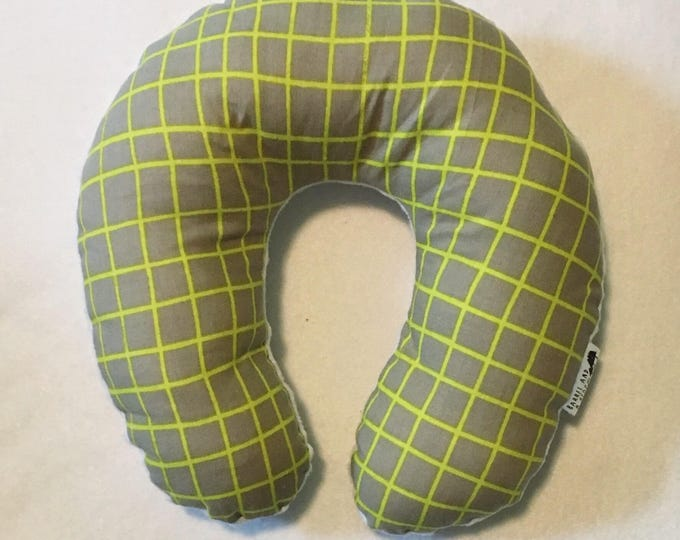 Green and Grey Grid Travel Neck Pillow for Children and Adults