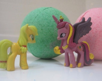 FREE SHIPPING - PONYBOMS - 6 Bath bombs with different Little Pony toy figures inside