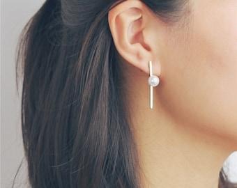 ON SALE Asymmetrical pearl long bar earrings