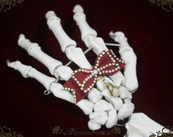 Skeleton's Rhinestone Bow Ring v2