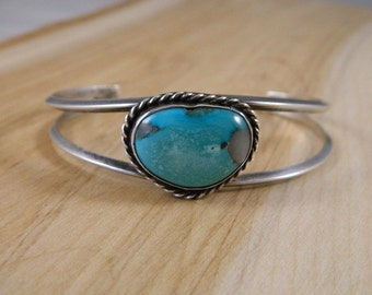 Native American Turquoise Sterling Silver Bracelet / Indian Cuff / Vintage Turquoise Jewelry