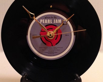 "Recycled PEARL JAM 7"" Vinyl 45rpm / Given To Fly / Record Clock"