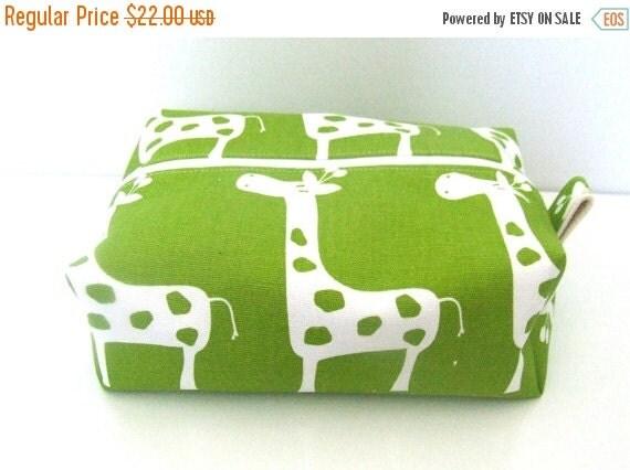 HURRY PRESIDENTS DAY Sale Giraffe wipe bag -  Cosmetic Pouch - Diaper Bag -  Lunch Bag - Wet Bag - Giraffe Makeup Bag