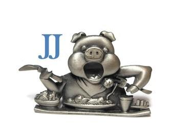 Pewter pig brooch, delightful spaghetti dinner eating pin JJ signed