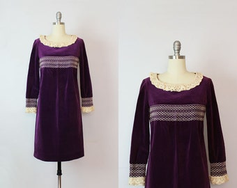 vintage 60s mod dress / 1960s velvet party dress / purple velvet dress / empire waist mini dress / lace collar dress / juniors dress