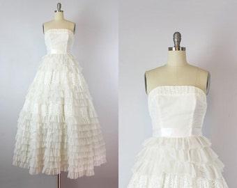 vintage 50s wedding dress / 1950s strapless white dress / tiered ruffled skirt dress / white lace and chiffon dress / bridal dress
