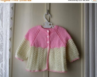 ON SALE Vintage handknit baby sweater / knit baby cardigan / jumper in creamy beige and pink / baby girl newborn 0 to 12 months