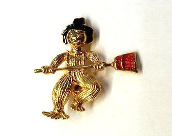 Vintage Avon SCARECROW BOY Pin Brooch Fall HALLOWEEN Vtg Costume Jewelry 90s 1990s Rare Collectible Piece