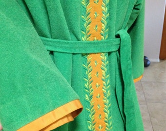 Vintage Lisanne Distinctive Loungewear Green Velour Robe with Sash