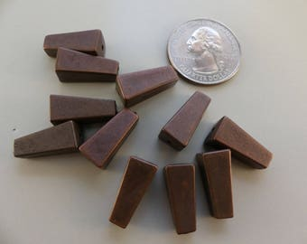 Vintage copper metalized plastic pyramid/cone shaped beads - 7 x 18 mm. 10 pcs.