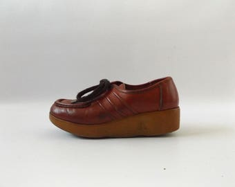 Famolare Platform Oxford Shoes | Vintage 70s Burnt Orange Red Lace Up Tie Shoes Ladies US Size 6 Hippie Boho Wedge Shoes 1970s Hippy Dresses