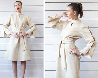 70s vintage pale yellow textured crimplene knee length cut out flute sleeve formal midi dress L