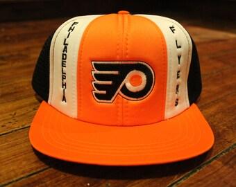 Philadelphia Flyers snapback mesh trucker cap deadstock NHL hockey hat