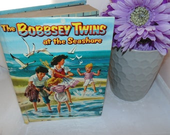 Vintage The BOBBSEY Twins at The Seashore Children's Book Laura Lee Hope Whitman 1954 HC Mid Century