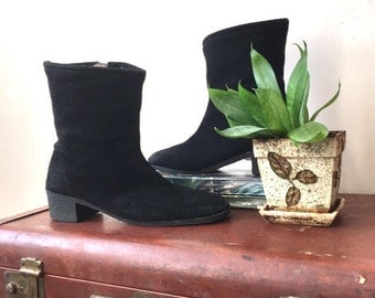 70s black Suede boots | fleece-lined boots | Tender Tootsies | size 7.5
